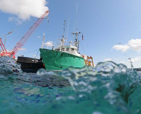 ROV diving photo of dominion victory vessel at Duck Rock